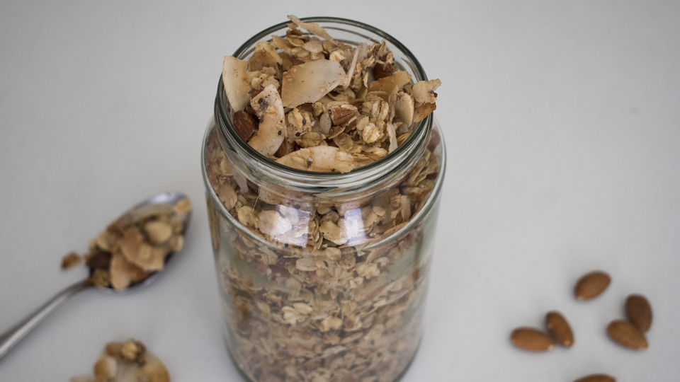 oat and almond granola