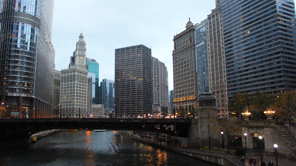 Chicago city and river