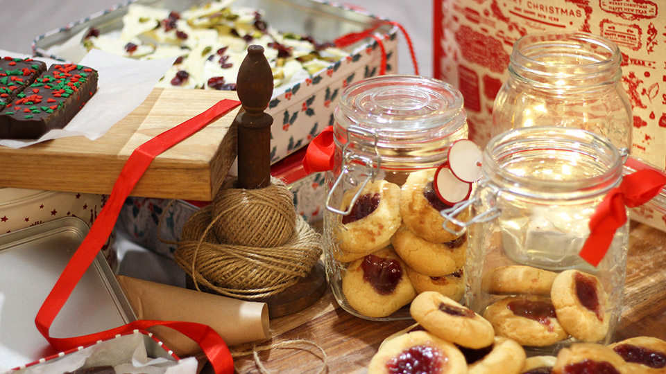 Homemade and delicious: 3 easy Christmas food gift ideas