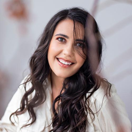 Laura Roscioli writer SHE DEFINED
