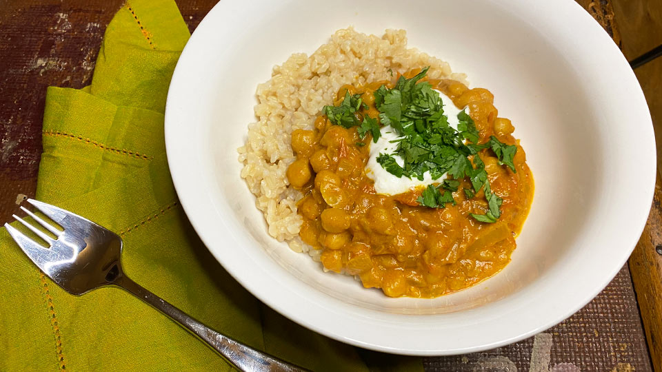 Warming chickpea and coconut curry - SHE DEFINED