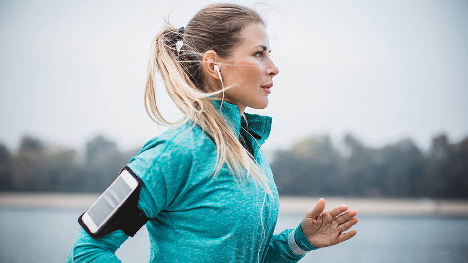 These are the top 8 podcasts to listen to while working out
