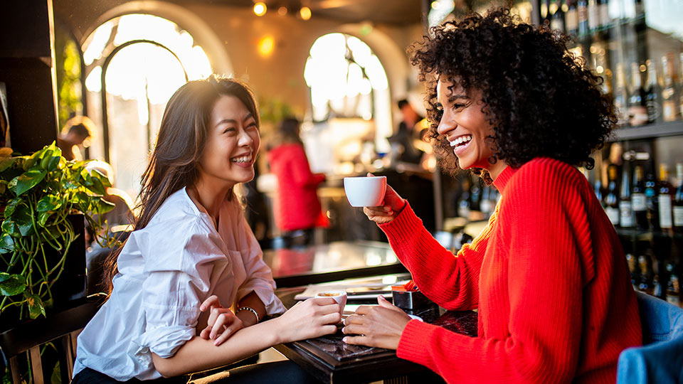 Adult friendship: How women can make new friends in adulthood