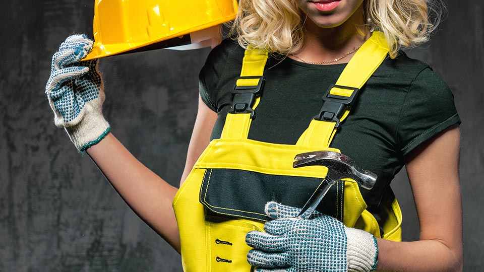 6 things to consider when choosing women's workwear in 2021