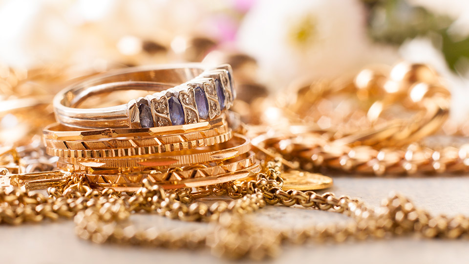 Here's how you can make money from your old and unwanted jewellery
